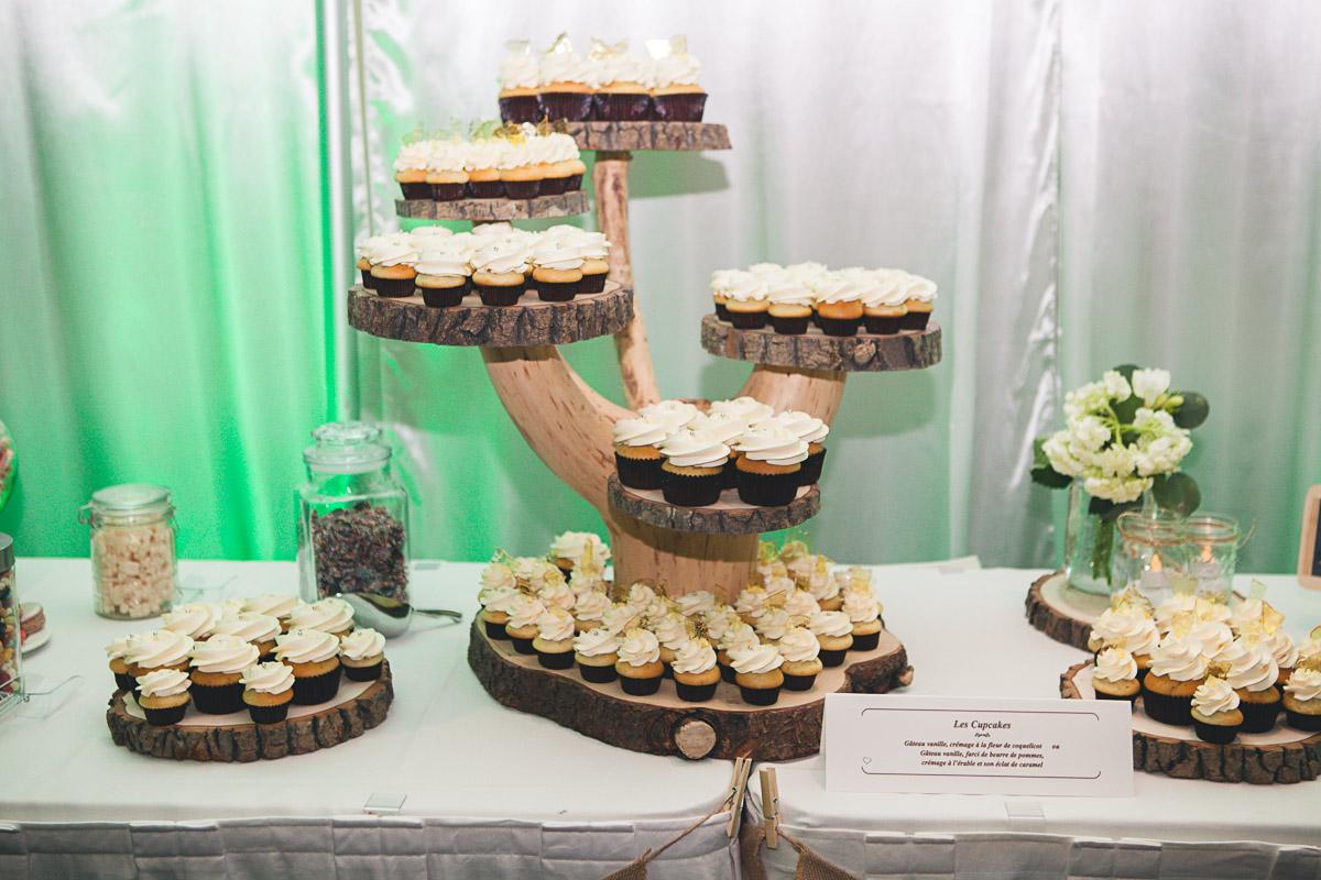 Cupcake pour mariage sur tourelles ou cupcake g ant - Deco pour cupcake ...